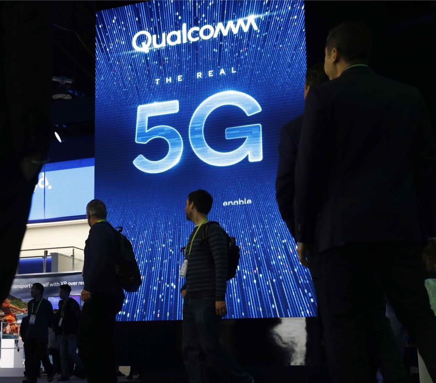 5G es un nuevo referente técnico para las redes inalámbricas --la quinta, obviamente-- que promete mayor velocidad, menos latencia (demora en conectarse) y la posibilidad de conectar varios aparatos sin abrumar la red. (AP / John Locher) (semisquare-x3)