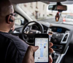 """Uber objeta un reglamento """"discriminatorio"""""""