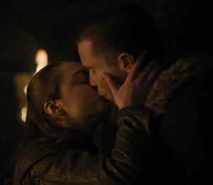 """Intérpretes de Arya y Gendry revelan lo incómodo que fue filmar escena de sexo en """"Game of Thrones"""""""