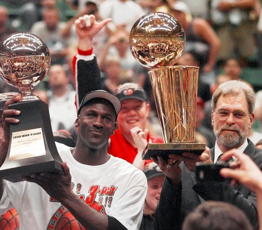 El documental de Michael Jordan se adelanta — Gana el público