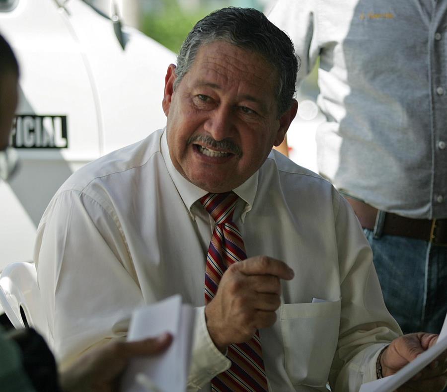 José Tirado, presidente del Sindicato de Bomberos Unidos de Puerto Rico, dijo que es una falta de respeto que el gobierno no atienda el asunto de forma seria y responsable. (GFR Media) (semisquare-x3)