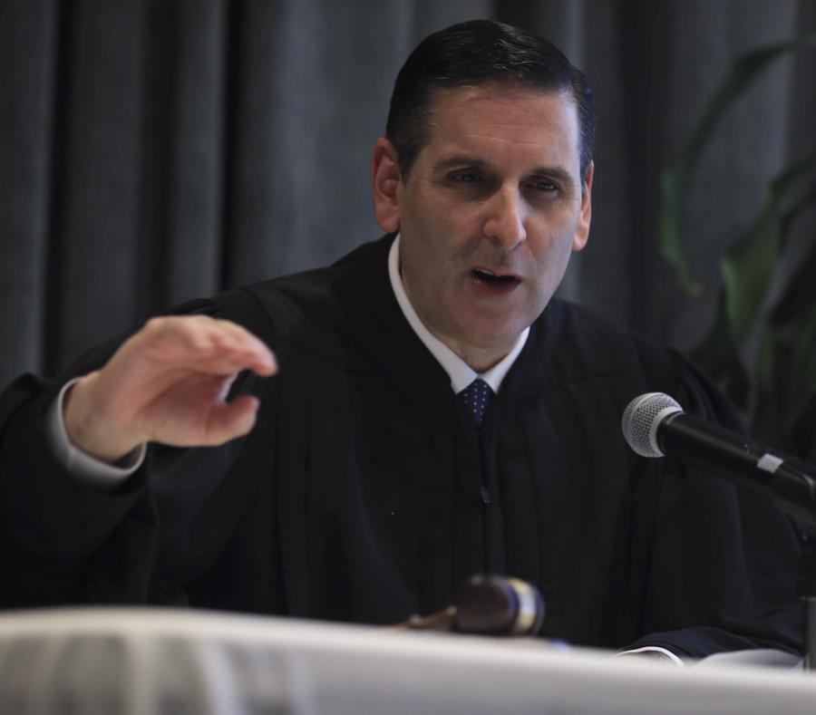 El juez Gustavo Gelpí (semisquare-x3)