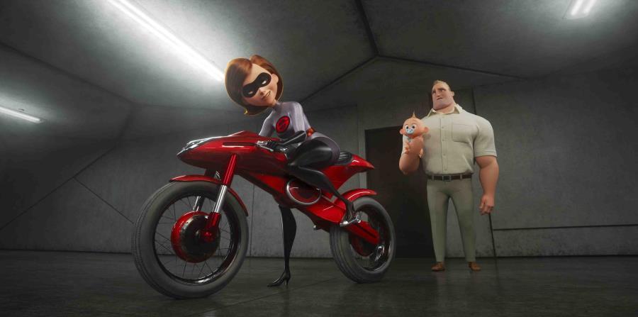 En esta imagen difundida por Disney Pixar, los personajes de Helen/Elastigirl, en la voz de Holly Hunter, y Bob/Mr. Incredible, en la voz de Craig T. Nelson, en una escena de