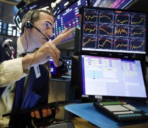 Inversores apuestan a los bonos a corto plazo