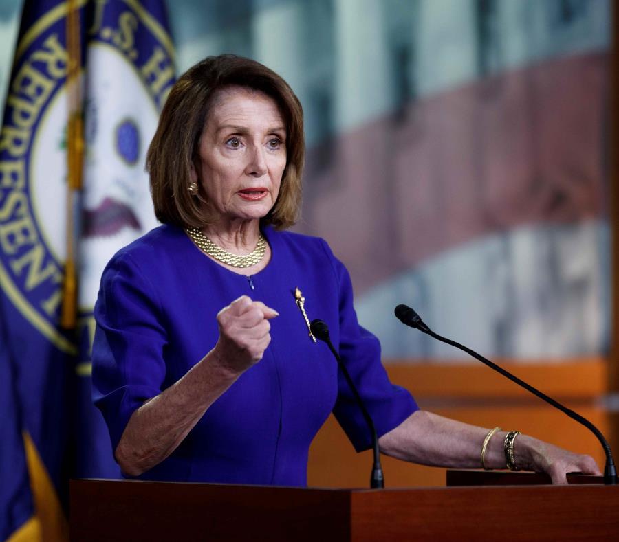 La speaker de la Cámara, Nancy Pelosi (semisquare-x3)