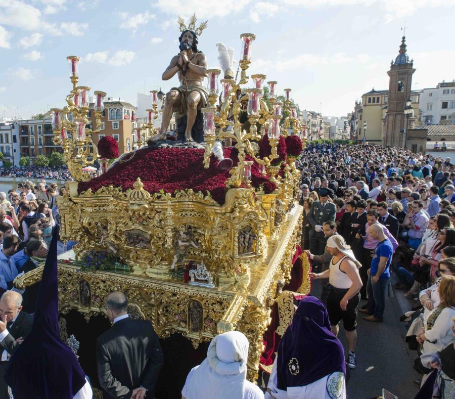 La Semana Santa de Sevilla se celebra desde el siglo XVI. (semisquare-x3)