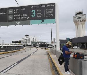 Cada vez llegan menos pasajeros al aeropuerto Luis Muñoz Marín