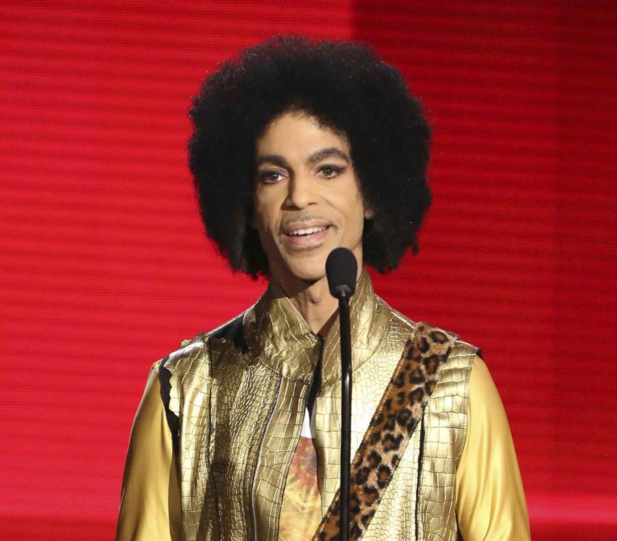 Una jueza impide el lanzamiento de canciones de Prince (semisquare-x3)