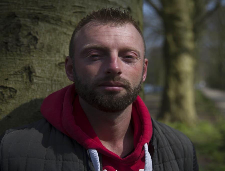 Joey Hoofdman, una de las 49 personas que según pruebas de ADN, son hijos del médico holandés Jan Karbaat. (semisquare-x3)