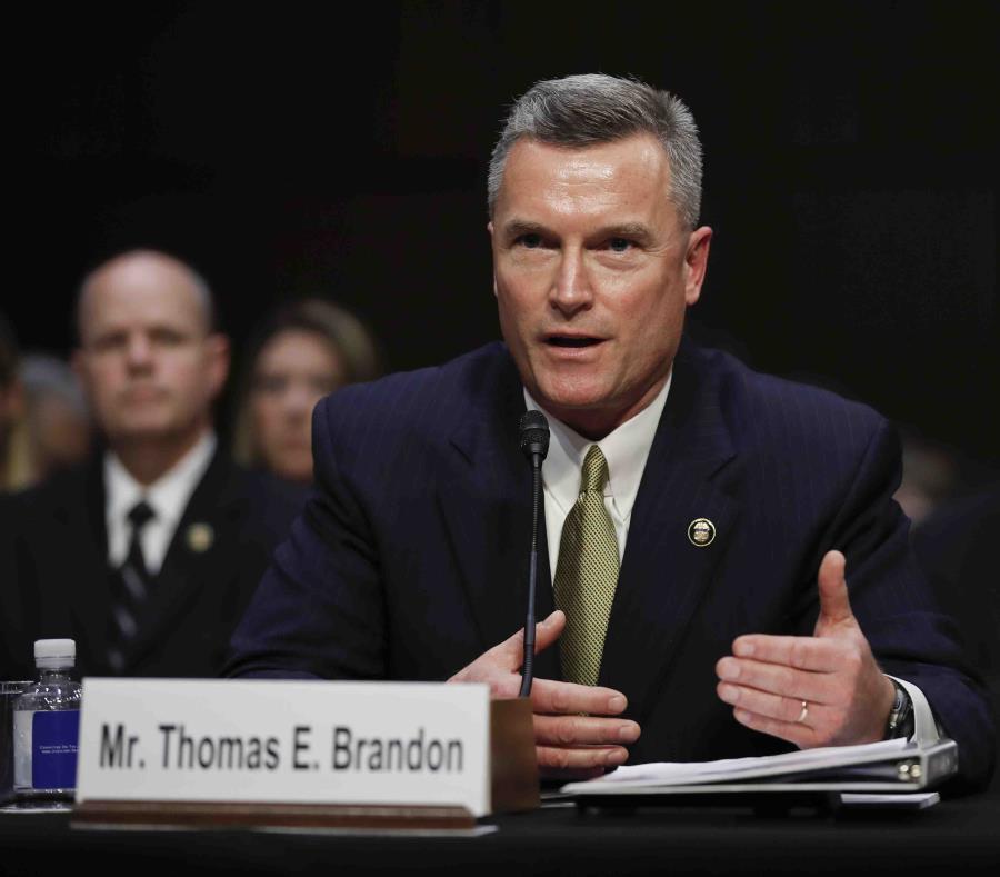 El director del Negociado de Armas de Fuego, Tabaco y Explosivos, Thomas Brandon, testificó en la audiencia. (AP / Carolyn Kaster) (semisquare-x3)