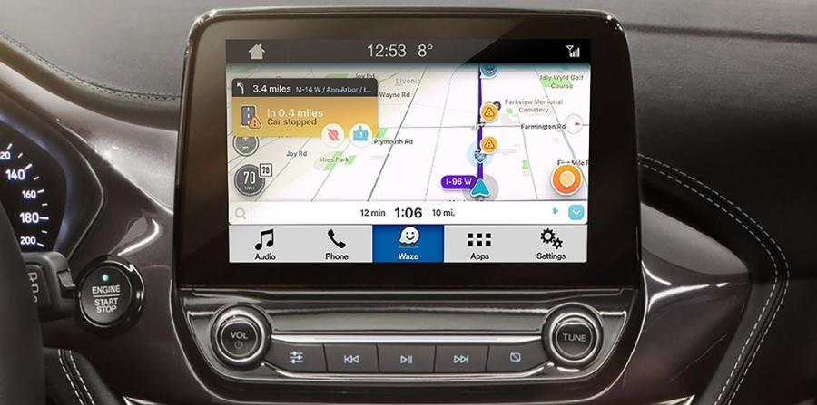 A través de AppLink, Ford está integrando la variedad de funciones de Waze con su sistema de infoentretenimiento SYNC 3, lo que permite a los usuarios operar Waze completamente a través de la pantalla táctil de un vehículo así como con comandos de voz. (horizontal-x3)