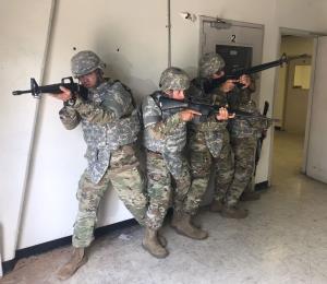 Soldados boricuas entrenan para las próximas movilizaciones