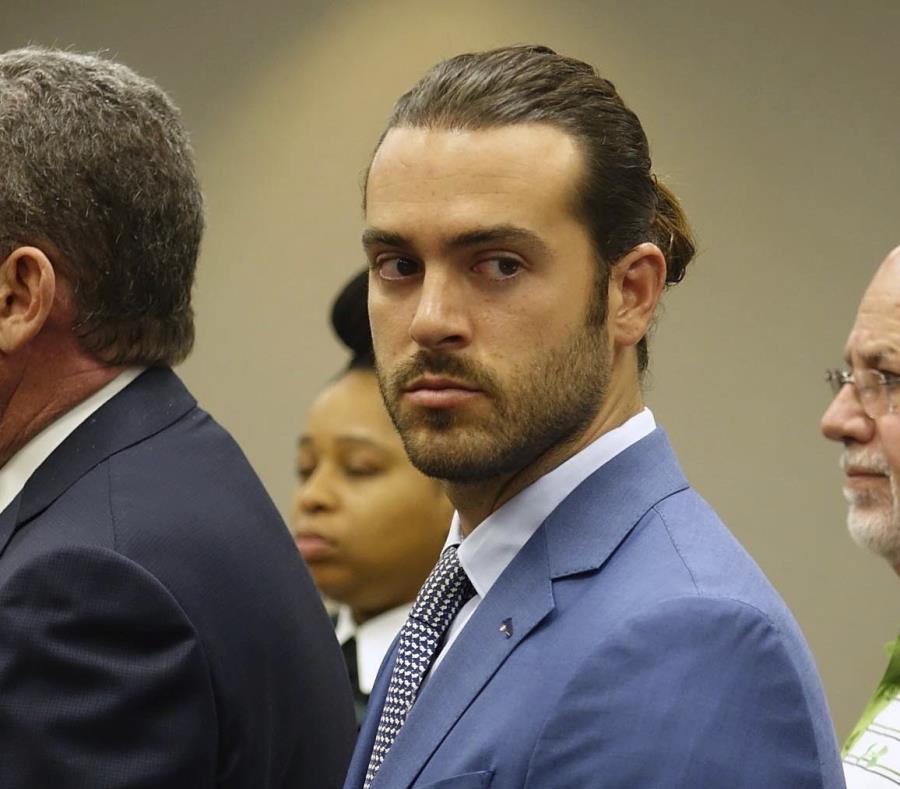 Pablo Lyle permanece bajo arresto domiciliario en espera del juicio que determine si pisará o no la cárcel. (AP) (semisquare-x3)