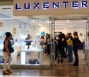 Luxenter inaugura su primera tienda en la isla