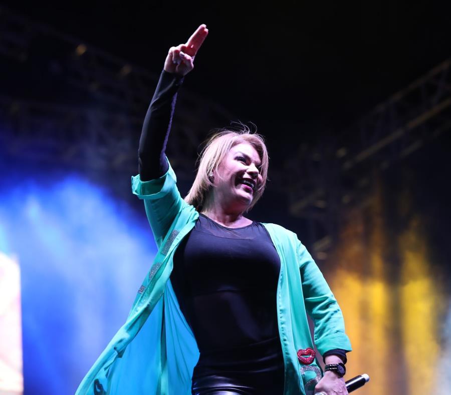 Olga Tañón fue una de las que cerró las festividades (semisquare-x3)