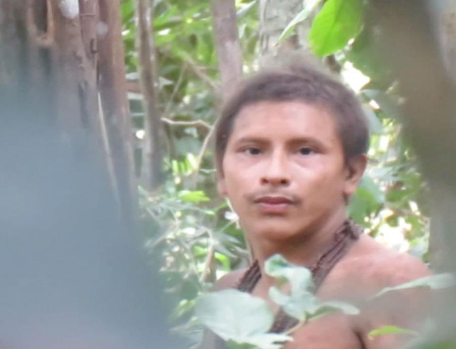 Consiguen un vídeo de una tribu amazónica que nunca había sido contactada