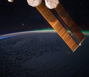 Una tormenta magnética llega a la Tierra y afectaría telecomunicaciones