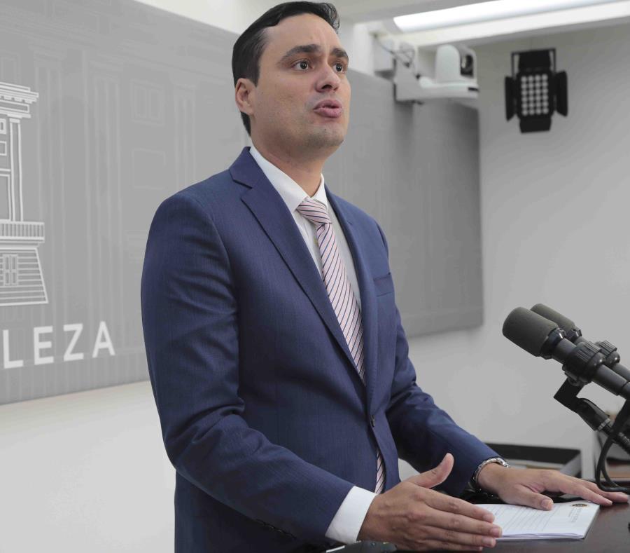El secretario de Asuntos Públicos, Ramón Rosario Cortés, asegura que derogar la Ley 80 afectará menos que la pérdida del bono de Navidad. (GFR Media) (semisquare-x3)
