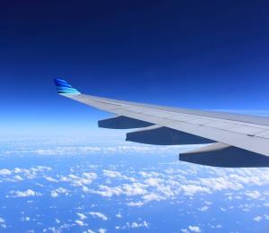 Precios aéreos bajan a nivel récord desde 1995 en Estados Unidos