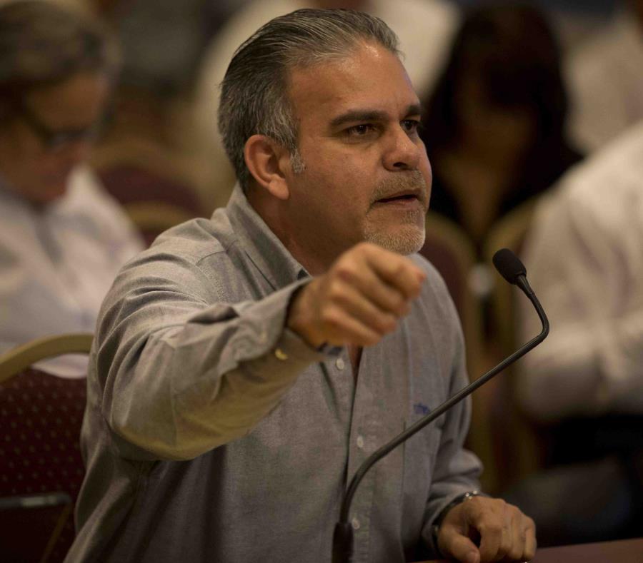 El presidente de la Utier, Ángel Figueroa Jaramillo (semisquare-x3)