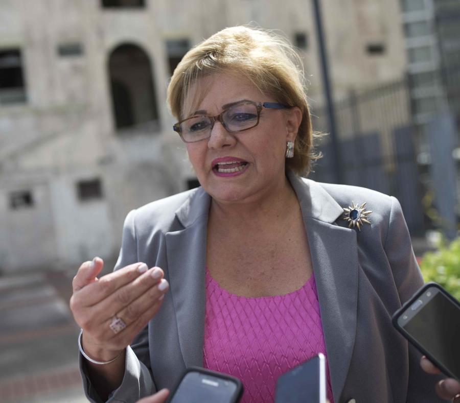 La investigación del Senado, revelada el 1 de noviembre, incluye referidos al Departamento de Justicia contra la comisionada electoral penepé Burgos y su hijo, Roberto Benítez Burgos, jefe de informática de la CEE. (GFR Media) (semisquare-x3)