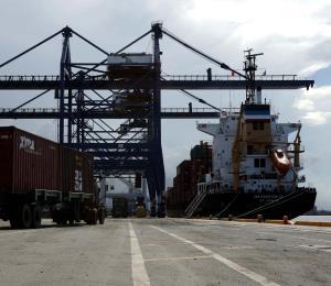 Urge mitigar el disloque económico y comercial