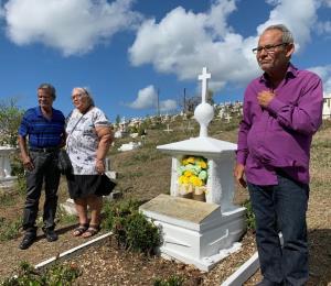 Familiares y activistas viequenses conmemoran el aniversario de la muerte de David Sanes