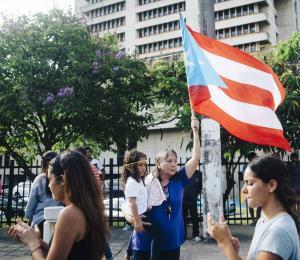 Oscar López, please, hable con los huelguistas