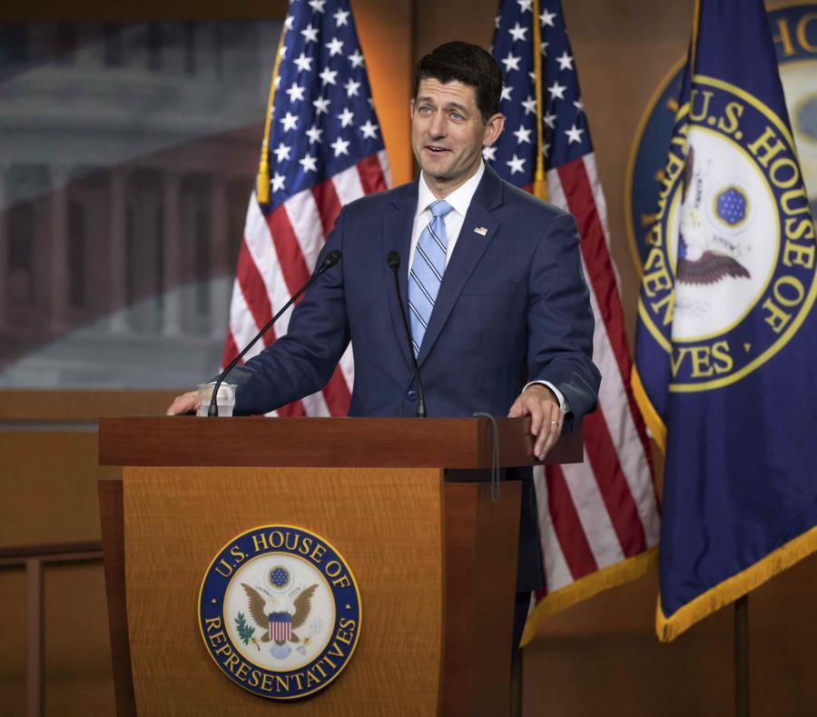 AshLee Strong, portavoz del presidente de la cámara baja Paul Ryan, dijo que la votación anulará una petición impulsada por los moderados que podría obligar a votar otras iniciativas de ley. (AP / J. Scott Applewhite) (semisquare-x3)