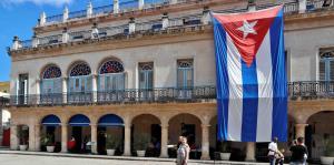 Lanzan un ron exclusivo de $2,900 por los 500 años de La Habana