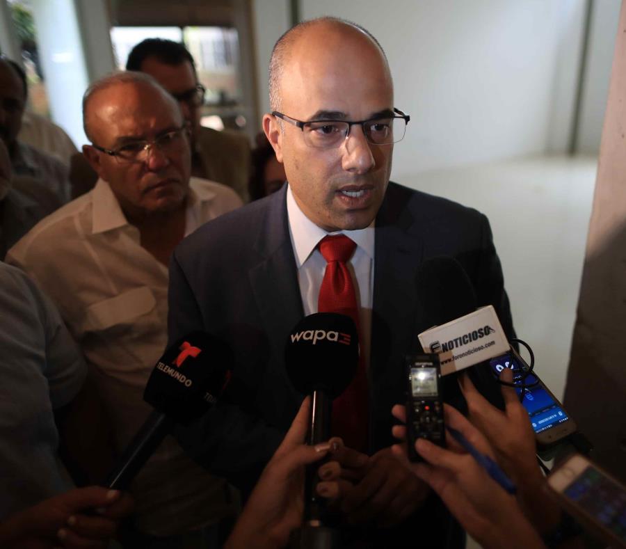 Héctor Ferrer presentará su propuesta ante la Asamblea General del PPD, y si es aprobada en ese foro, sería presentada en un proyecto de ley por la minoría popular en la Legislatura. (semisquare-x3)