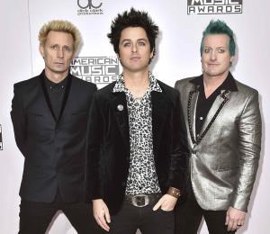 Green Day lanza álbum con más de 30 años de éxitos