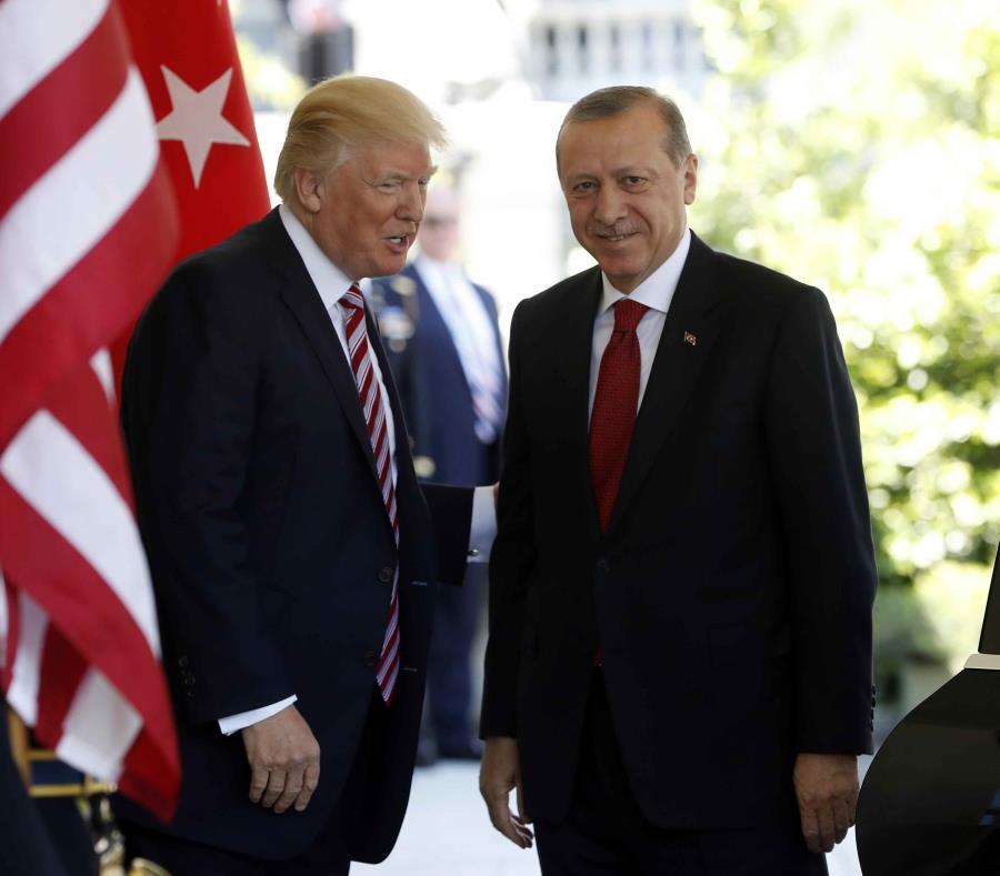 Disturbio a las afueras de embajada turca en EE.UU. deja lesionados (semisquare-x3)