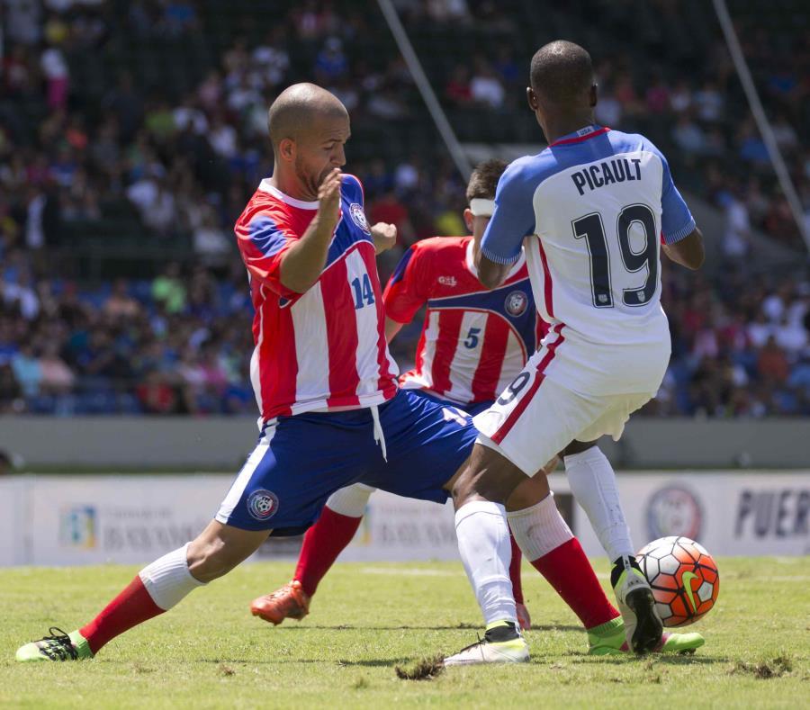 Juan Vélez (izquierda) es uno de los veteranos convocados para la Liga de Naciones. (Archivo / El Nuevo Día) (semisquare-x3)