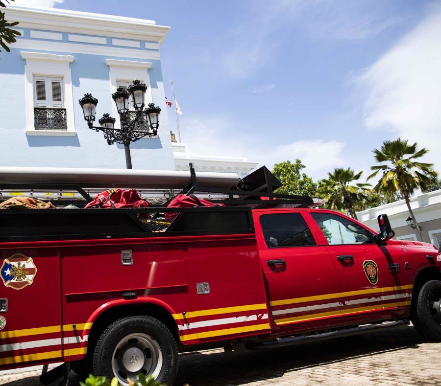 Un auto de los bomberos en La Fortaleza el pasado 28 de agosto. (semisquare-x3)