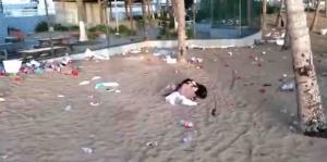 Amanece con basura un predio en la playa de Isla Verde
