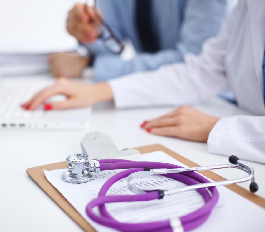La Ley 14  de Incentivos para la Retención y Retorno de Profesionales Médicos, aprobada en 2017, tiene la intención de intentar controlar la fuga de médicos. (semisquare-x3)