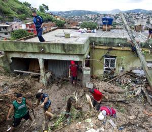 Al menos 30 muertos tras tormentas en Minas Gerais en Brasil