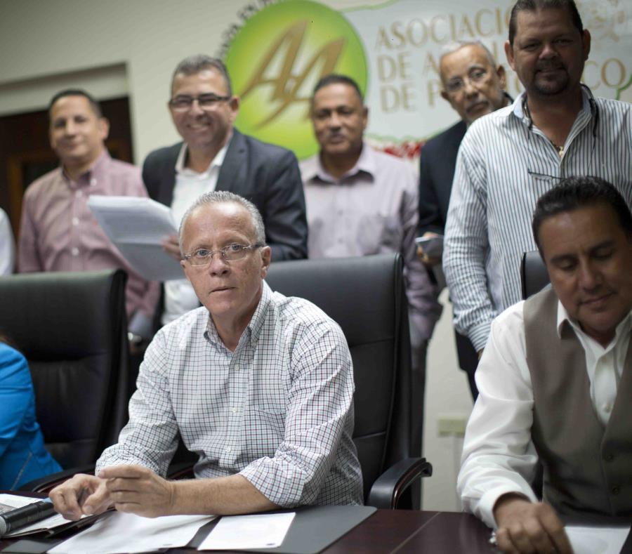 El presidente de la Asociación de Alcaldes, Rolando Ortiz, es uno de los alcaldes con el mayor sueldo en la isla (semisquare-x3)