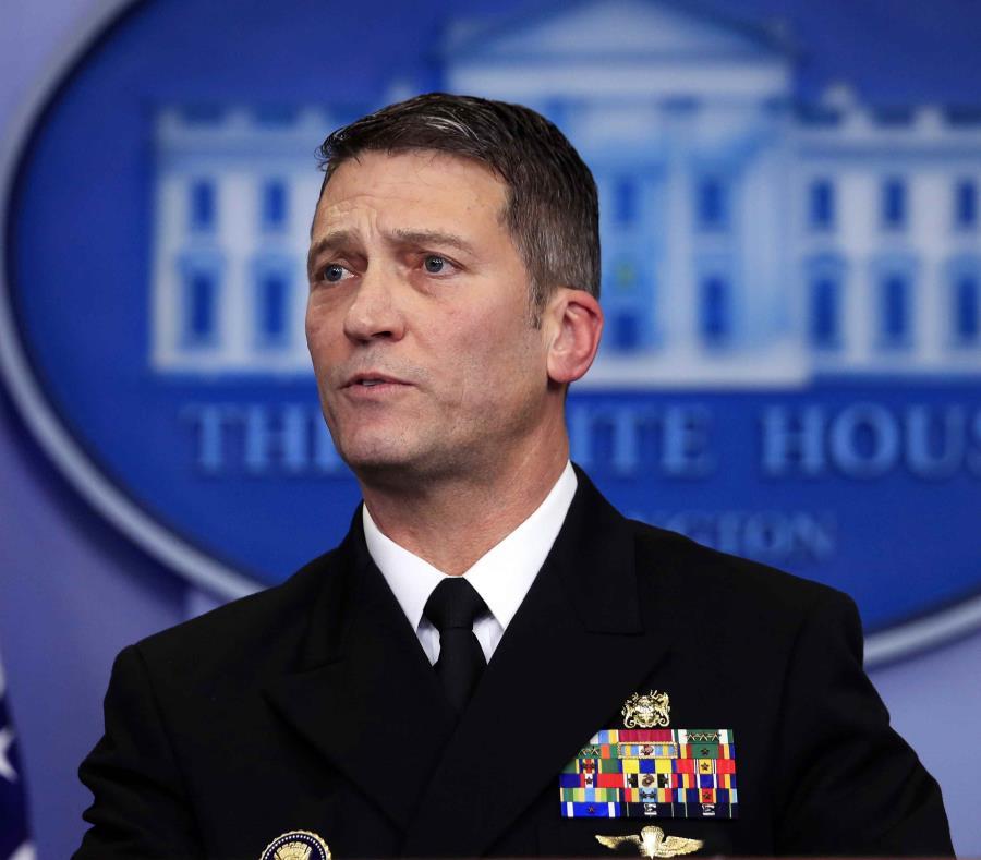 Trump despide a secretario de Asuntos de los Veteranos