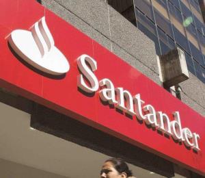Banco Santander anuncia horario para el lunes feriado