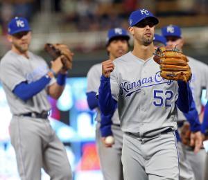 Jorge López tiene opciones reales de ser abridor con Kansas City
