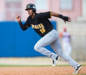 Aldemar Burgos coquetea con la historia en el béisbol invernal