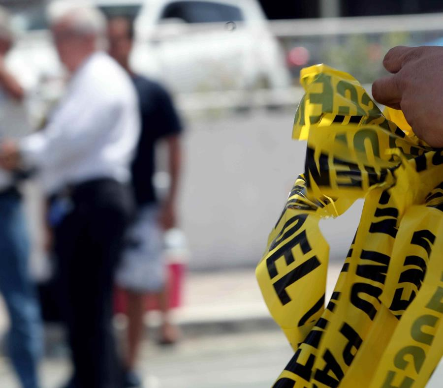La Policía investiga la escena de un crimen. (GFR Media) (semisquare-x3)