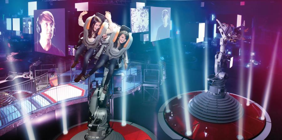 Una de las atracciones más populares de este parque desde que inauguró en 2017 propicia giros inesperados en el aire mediante un brazo robótico que se activa con la música.  (Suministrada)