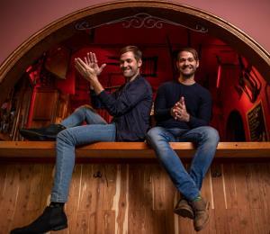 Almas Band inyecta alegría con su nuevo sencillo musical