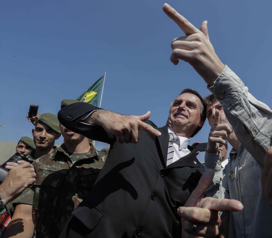 El candidato presidencial de ultraderecha en Brasil, el diputado Jair Bolsonaro (semisquare-x3)
