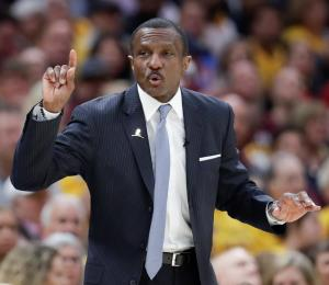 Dirigir en la NBA es una odisea