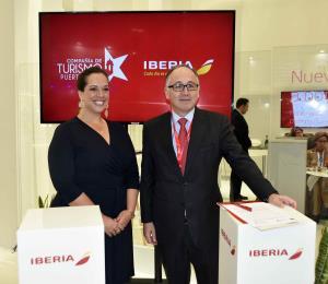 Iberia y Turismo firman un acuerdo para promocionar a la isla en más de 100 destinos
