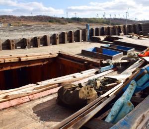Hallan un nuevo barco fantasma norcoreano con 7 cadáveres en Japón